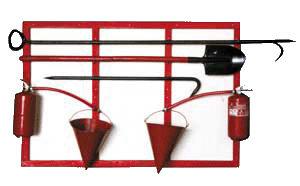Пожарный щит с интсрументами